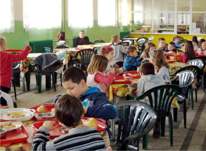 училищен стол